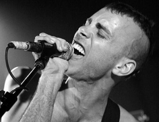 Asaf Avidan: l'uomo che canta con la voce del mondo [RECENSIONE CONCERTO]